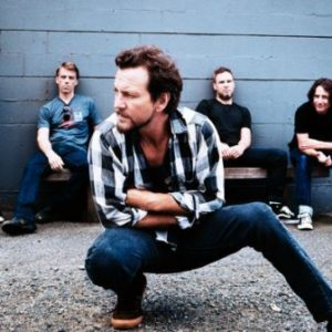 Pearl Jam invite all five drummers to join them at R&R HOF